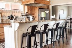 1588471273_American-Farmhouse-Style-Ideas