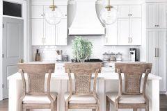 1588775540_American-Farmhouse-Style-Ideas