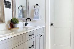 1586602182_Farmhouse-Bathroom-Ideas