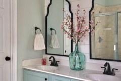 1586646559_Farmhouse-Bathroom-Ideas
