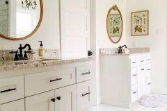 1586777810_Farmhouse-Bathroom-Ideas