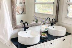 1586995149_Farmhouse-Bathroom-Ideas