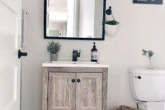 1587733372_Farmhouse-Bathroom-Ideas