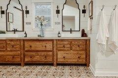 1588557414_Farmhouse-Bathroom-Ideas