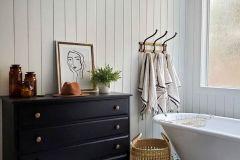 1589337927_Farmhouse-Bathroom-Ideas