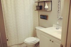 1589468012_Farmhouse-Bathroom-Ideas