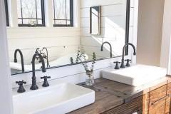 Farmhouse-Bathroom-Design-Ideas-3