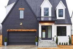 1586776405_Farmhouse-Exterior-Ideas