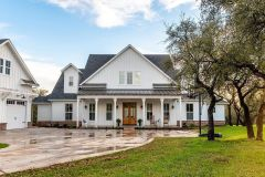 1588861694_Farmhouse-Exterior-Ideas