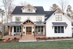 Farmhouse-Exterior-Design-Ideas-4