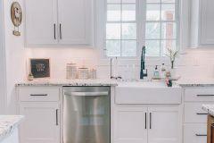 1587299033_Farmhouse-Kitchen-Ideas