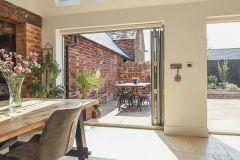 1589336766_Farmhouse-Kitchen-Ideas
