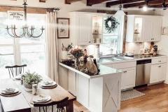 1589466583_Farmhouse-Kitchen-Ideas
