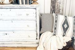 1589856706_Farmhouse-Living-Room-Ideas