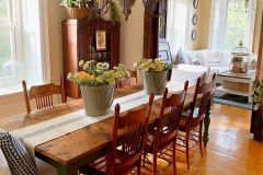 1586863940_Farmhouse-Table-Decor-Ideas