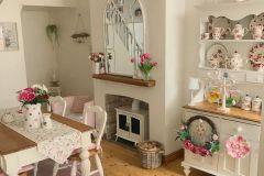 1587385301_Farmhouse-Table-Decor-Ideas