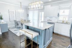 1587906299_Farmhouse-Table-Decor-Ideas
