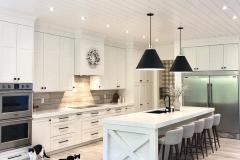 1588296308_Farmhouse-Table-Decor-Ideas