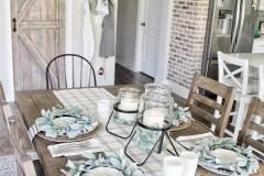 1589379314_Farmhouse-Table-Decor-Ideas
