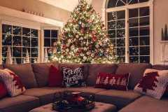 amazing-Christmas-ideas-for-farmhouses-37