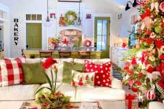 amazing-Christmas-ideas-for-farmhouses-54