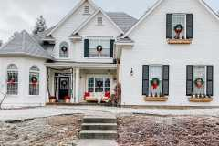 amazing-Christmas-ideas-for-farmhouses-56