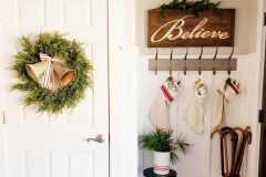 amazing-Christmas-ideas-for-farmhouses-60