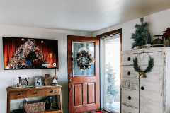 amazing-Christmas-ideas-for-farmhouses-65