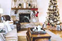 amazing-Christmas-ideas-for-farmhouses-71